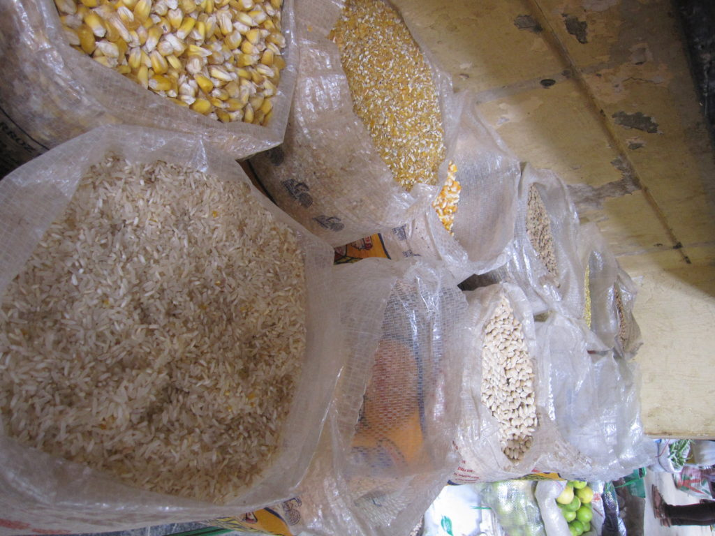 Lots grains available for sale at the market.